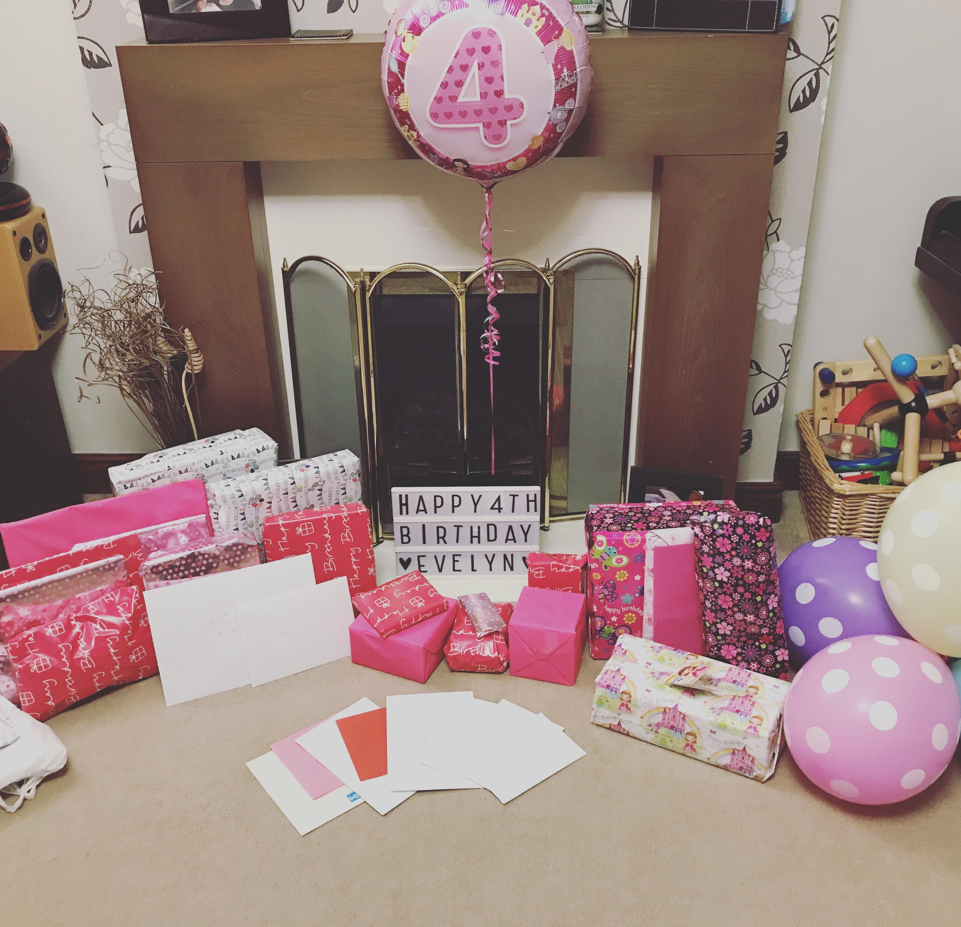#LittleLoves - Birthdays, Blondie & Baking
