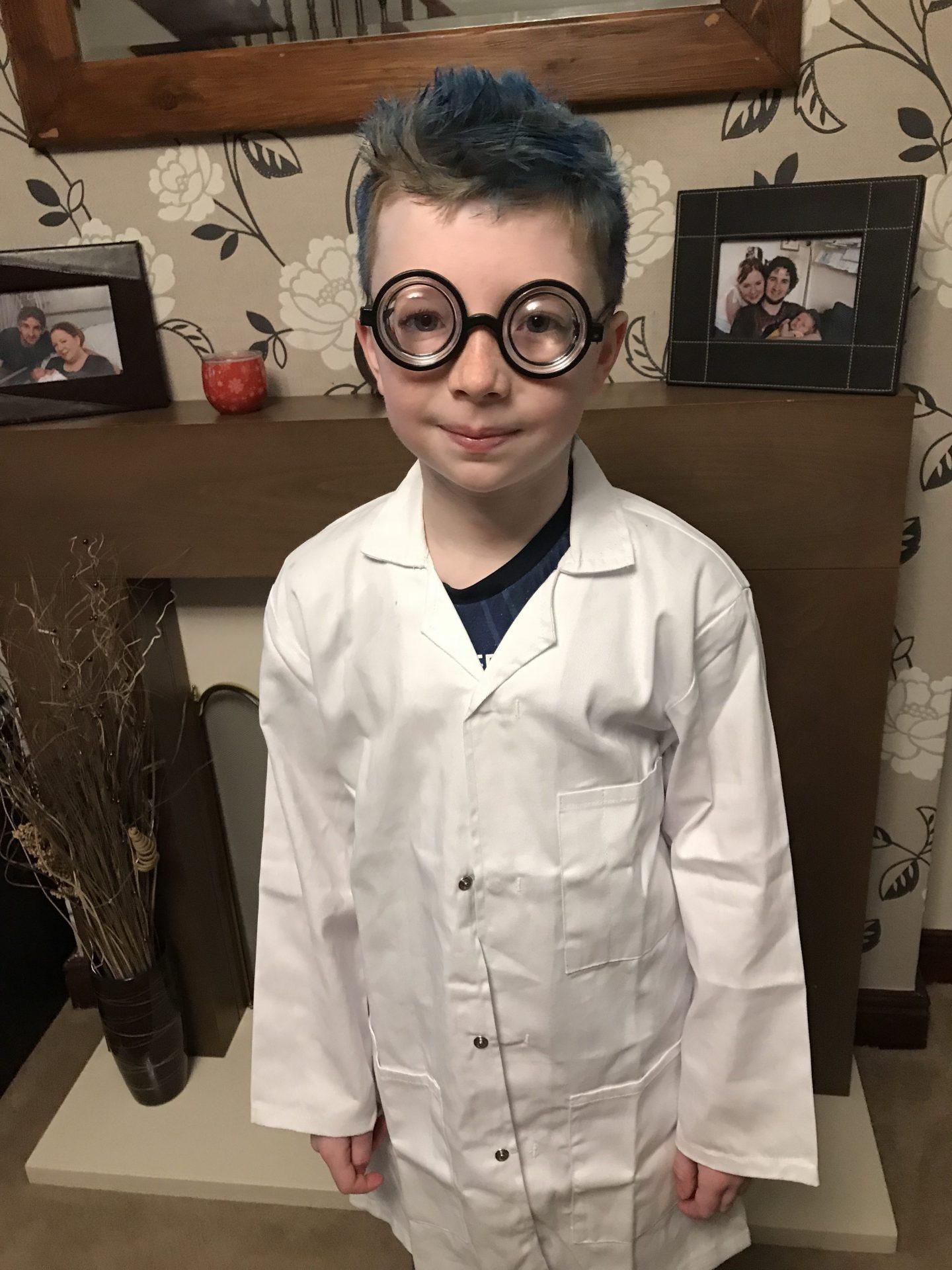 #LittleLoves – Mad Scientists, Super Heroes & Pantomime