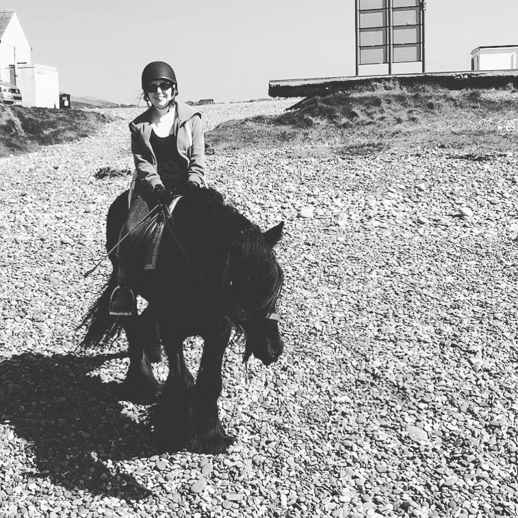 #LittleLoves – Summer Swagger, Beach Rides & Jumping Around